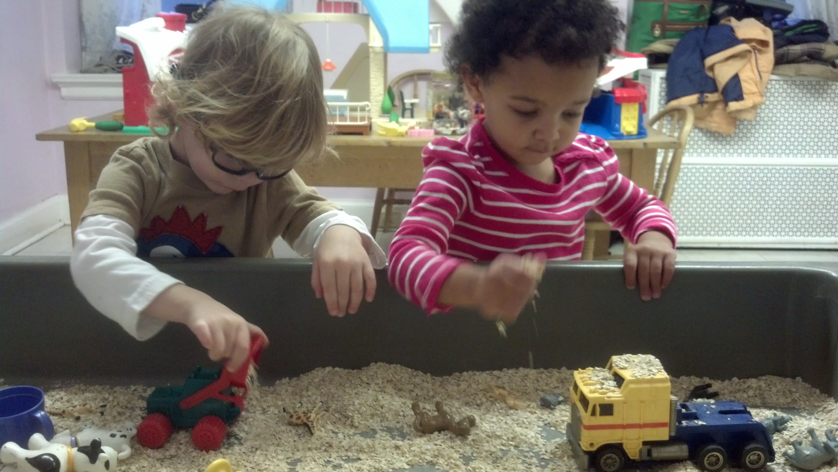 playgroup session: playing in sand